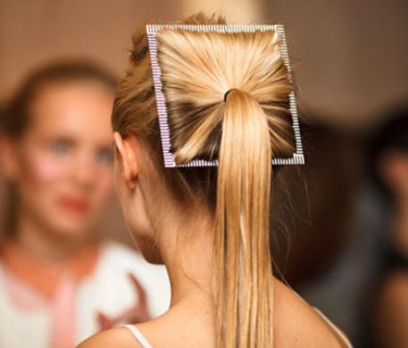 Accessoire cheveux queue de cheval futuriste