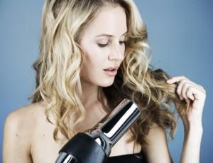 cheveux boucl s soin entretien produits conseils astuces hydratation. Black Bedroom Furniture Sets. Home Design Ideas