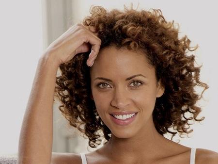 Sélection shampooings pour cheveux bouclés tres serrées, cheveux afro et métisses.