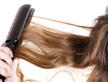 prot ger ses cheveux du lisseur fer chaleur lisser sans ab mer ses cheveux les bons gestes. Black Bedroom Furniture Sets. Home Design Ideas