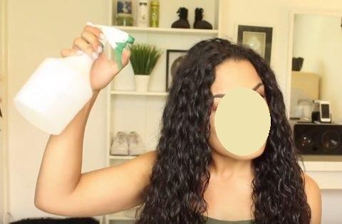 démêler cheveux bouclés méthode